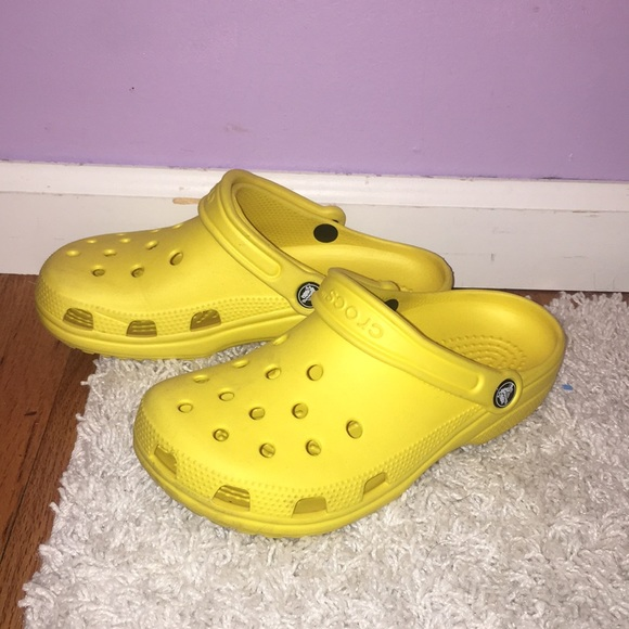 hot-selling newest new & pre-owned designer classcic Yellow crocs